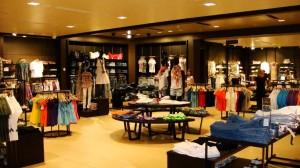Консультант магазина одежды