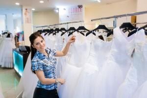 Продавец консультант в свадебный салон