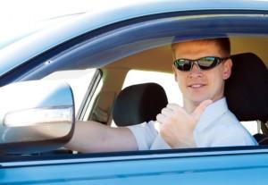 Водитель-курьер с личным автомобилем