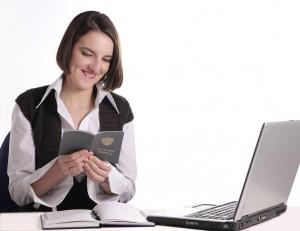 Что делать, если работодатель не отдает трудовую книжку