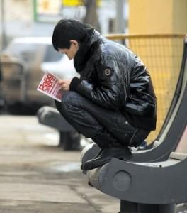 Работодатели экономят на зарплатах молодежи