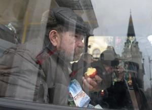 В Москве установили таксофон для безработных и бездомных